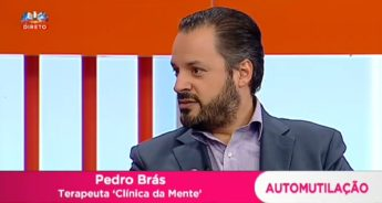 Pedro Brás no Queridas Manhãs a falar sobre automutilação